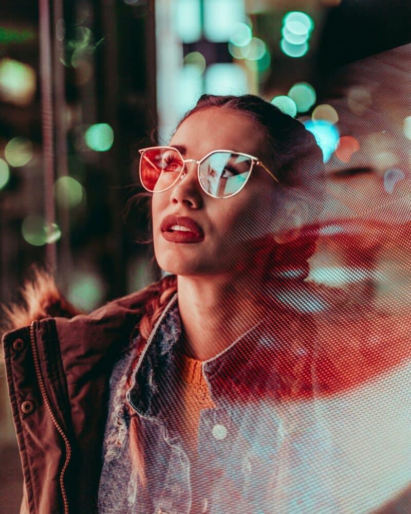 portrait neon femme conseil photo