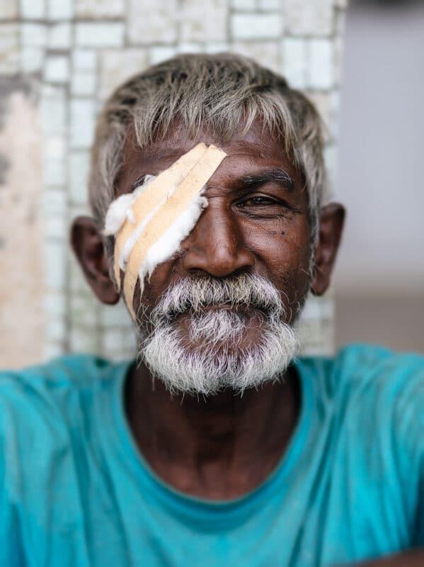 portrait homme sri lanka avec un objectif portrait photo de 50mm