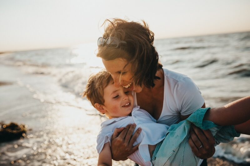 photo de famille maman avec enfant